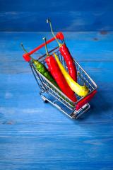 Chilischote im Einkaufswagen