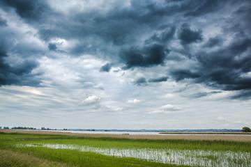 Unwetter - Wolken über dem See