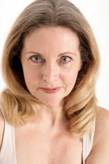 Reife Frau im Beauty Studio