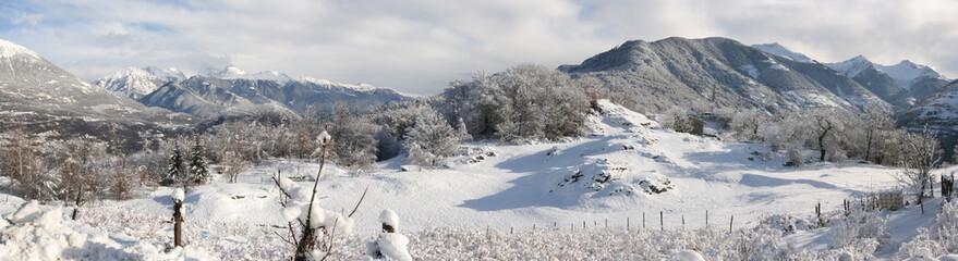 Panorama montagna d'inverno