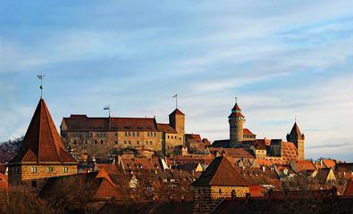 Blick auf die Nürnberger Burg bei Sonnenaufgang von Südwesten