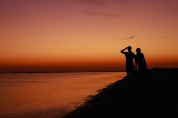 Silhouette of a romantic couple.