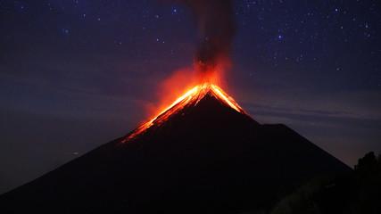 Volcano Eruption Wall mural