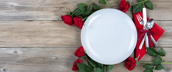 Romanic dinner table setting for the holiday season