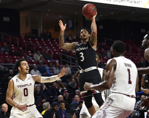 NCAA Basketball: Cincinnati at Temple