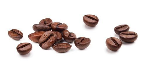 Poster de jardin Café en grains Set of fresh roasted coffee beans isolated on white background.