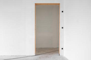 Türrahmen ohne Tür  Baustelle