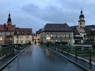 Alte Mainbrücke aus dem 13. Jahrhundert in Kitzingen (Bayern)