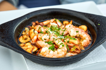 Pan of Garlic Prawns
