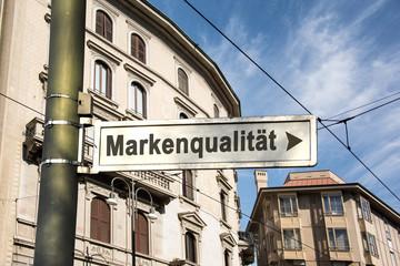 Schild 242 - Markenqualität