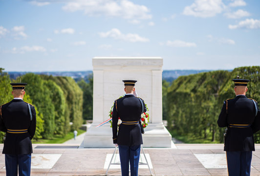 Changing of the guard at Arlington National Cemetery (tomb of the unknown soldier)