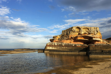 Türkiye'nin kefken beldesinde bulunan zamanında önemli mimari yapılarda kullanılmış pembe renkli kayalar
