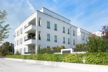 Mehrfamilienhaus in einem Neubaugebiet in Deutschland