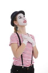 jeune fille mime maquillage blanc théâtre mimant état amoureux