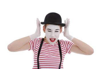 jeune fille mime maquillage blanc théâtre mimant bruit