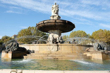 Autocollant pour porte Fontaine Aix-en-Provence, France - October 18, 2017 : the famous fountain Rotonde at the base of the Cours Mirabeau market street