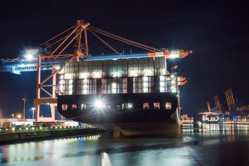 Containerschiffe, Beladung, Hamburger Hafen