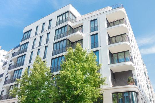 modernes Mehrfamilienhaus in Berlin - Eigentumswohnung