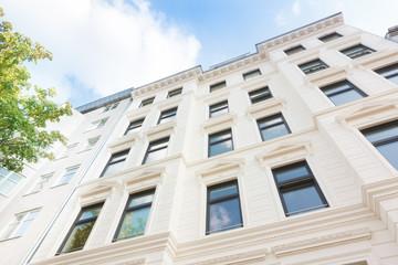 helle Hausfassade - Altbau