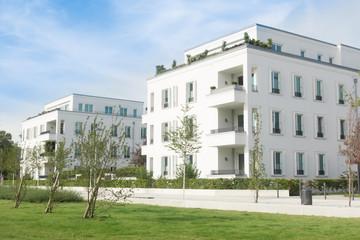 Neubauwohnungen -  Neubaugebiet mit Grünanlage