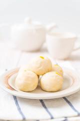 Chinese pastry cake