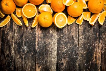 Fresh slices oranges .