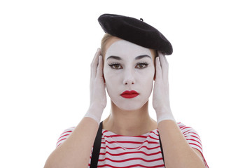 jeune fille mime maquillage blanc théâtre mimant surdité