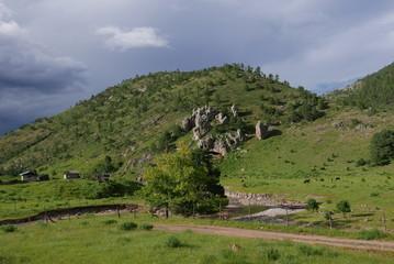Einsamer Bauerhof in Berglandschaft in Nordmexiko