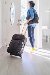 Woman Packs up Home and Sets off for a New Destination