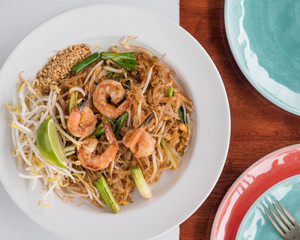 Shrimp Pad Thai with bean sprouts, noodles, lime and peanuts