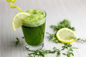 Fresh and healthy green detox juice in a glass