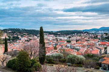 Vue sur le village d'ollioules depuis le château féodal