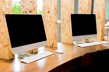 desktop computer, blank black screen, trun off