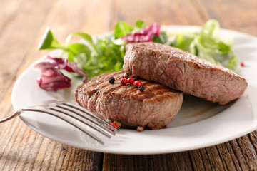 grilled beef and pepper