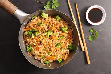 stir fry noodles and vegetable