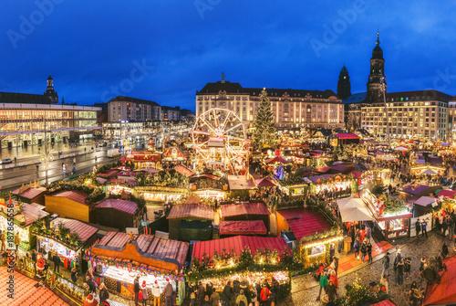 dresden christmas market night scenery