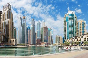 DUBAI, UAE - MARCH 24, 2017: The promenade of Marina.