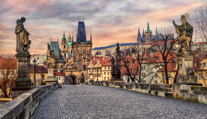 In de dag Praag Charles bridge and Prague castle on sunset, Czech Republic