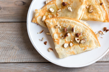 crepes with honey and nuts
