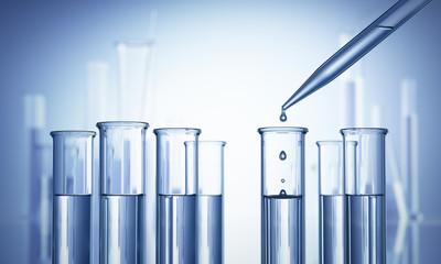 Reagenzgläser im Labor mit Pipette