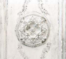 Biały vintage Relief na suficie - 188092940