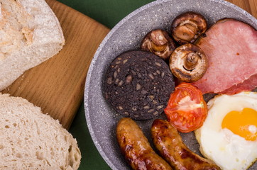 Large Ulster Fry Breakfast.