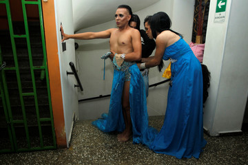 """Participants get ready backstage before the beauty contest """"Mrs Colombia"""" in Medellin"""