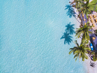 Tuinposter Luchtfoto beautiful aerial top view of paradise beach