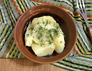 Fragrant potatoes with butter and dill