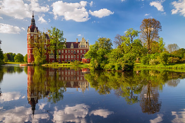 Obraz Beautiful view on Park Bad Muskau with reflection in the lake at springtime, Saxony, Germany. - fototapety do salonu