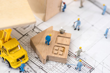 Miniature worker, The concept of construction site