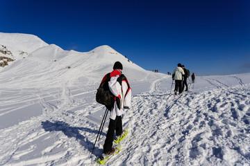 alpinisti verso la cima di Piazzo - alpi Orobie