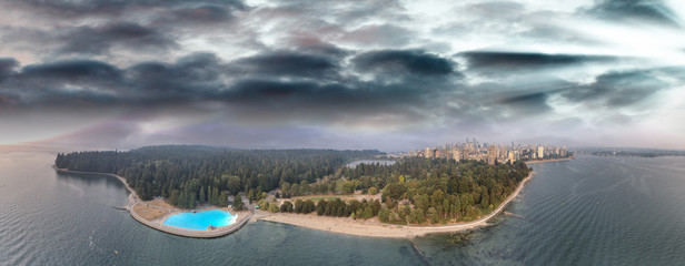 Vancouver, Canada. Sunset panoramic aerial view from Stanley Park Fotomurales