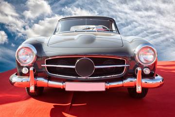 Fond de hotte en verre imprimé Vintage voitures Vintage car staying at sunset.